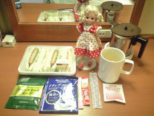 朝食&ブロンド巻き毛ちゃん