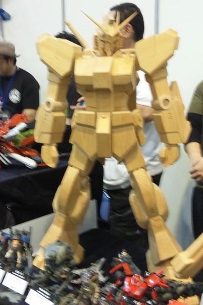 木製ガンダムHB