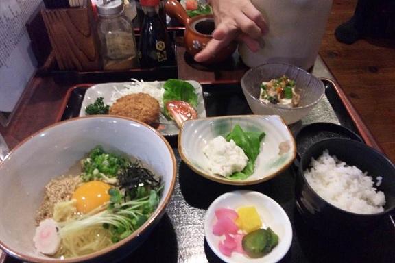 卵冷麺定食 キネマさん
