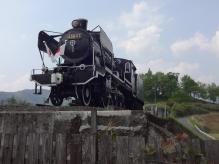 14:49 機関車が展示されています