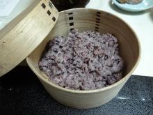 19:06 ご飯 古代黒米ご飯(高千穂産米)