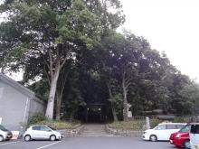 5:27 東本宮前の駐車場が、旅館の駐車場になっています。