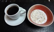 7:19 そばフレークとコーヒー