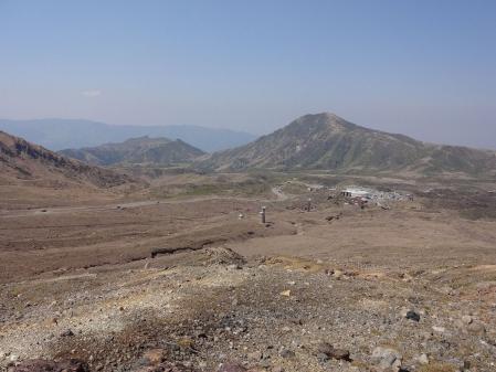 10:06 Dゾーンの展望台から見た ロープウェイ乗り場方向