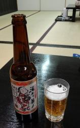 18:07 地ビール 1本 940円 (330ml)