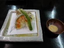 18:56 二人とも。 天ぷら・・カレー塩で。