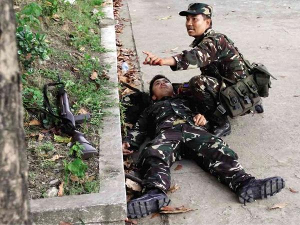 wounded-soldier-zamboanga-siege.jpg