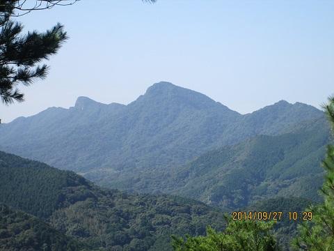念珠岳ですネ。