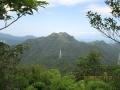 鋸嶽山頂から次郎丸岳を望む