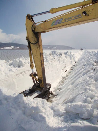 20130401_排水路の除雪2