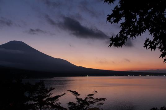 紅葉 山中湖 D 富士山と夕暮れ