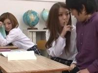 【痴女】 授業中にこっそり手コキフェラ