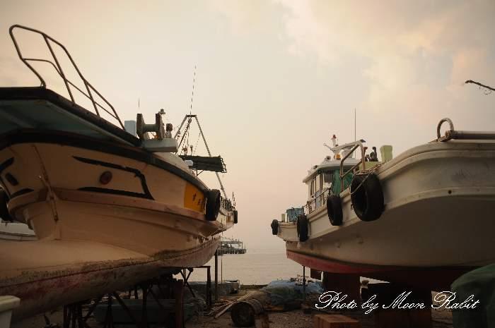 陸揚げされた漁船 西条漁港 愛媛県西条市北浜北