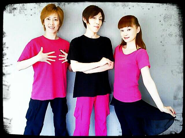 ピンク3人