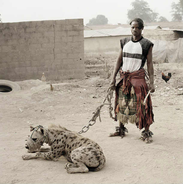 photograher-pieter-hugo-the-hyena-and-other-men-12.jpg