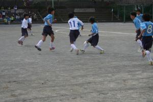 【2012年度 6年生卒団記念試合】 青葉FC 6年 vs 5年 ガチンコ対決!! @すすき野小学校/少年サッカー