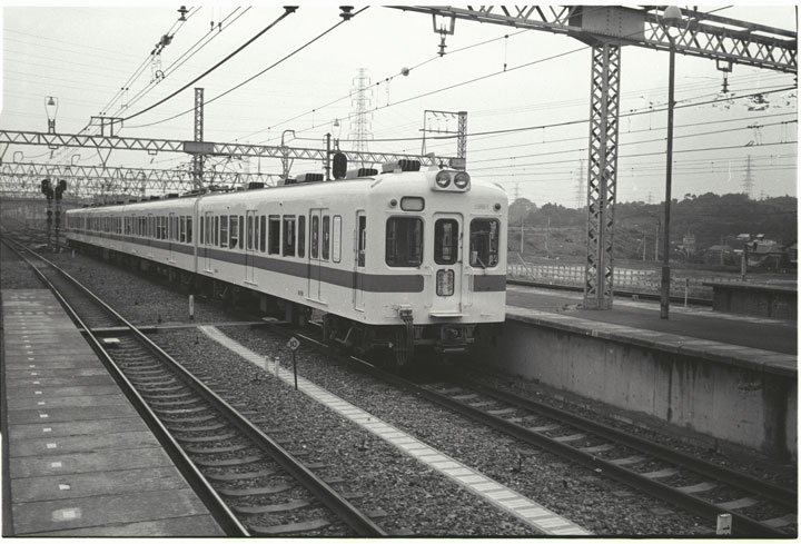 第3回新百合ケ丘駅多摩線2400系_レタッチ前