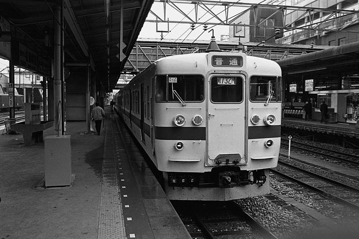 19850314小山駅_水戸線_01