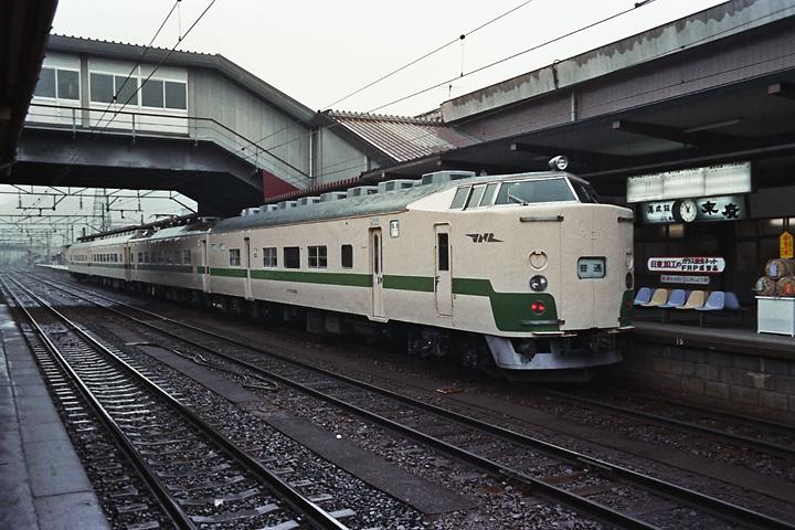 600319東北本線715系_福島駅2