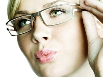Glasses-Woman-400x300.jpg