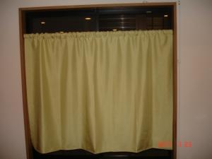 シンコール ソワレML-7405 1.3倍弱のポール通しカーテン