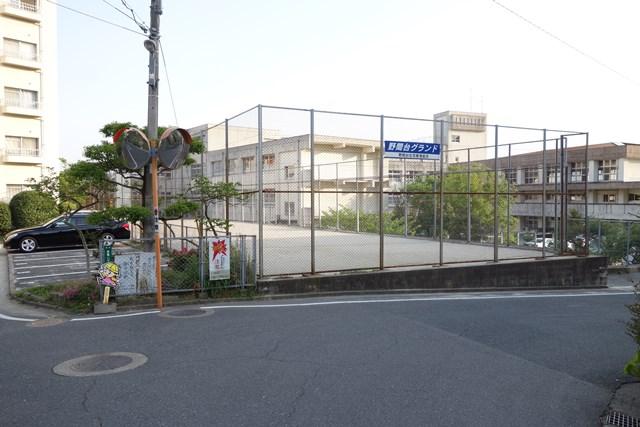 福岡市公社野間台住宅のグラウンド