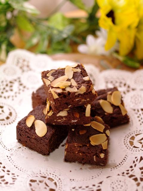 フルブラでつくる、パリさくアーモンドのチョコレートブラウニー