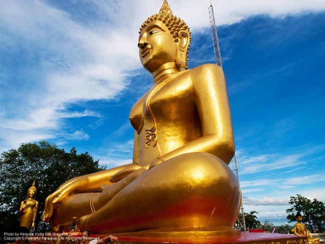 ワット・カオ・プラ・ヤイ(Wat Khao Phra Yai)大仏