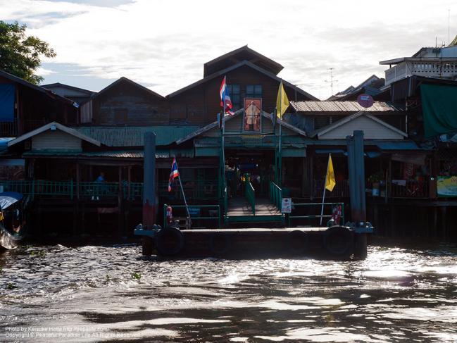 ワット・アルン(Wat Arun)側の船着場