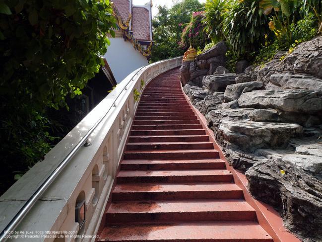 ワット・サケット(Wat Saket/黄金の丘)の階段