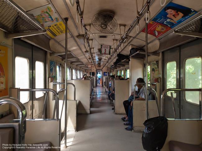 タイ国鉄THN系気動車の車内