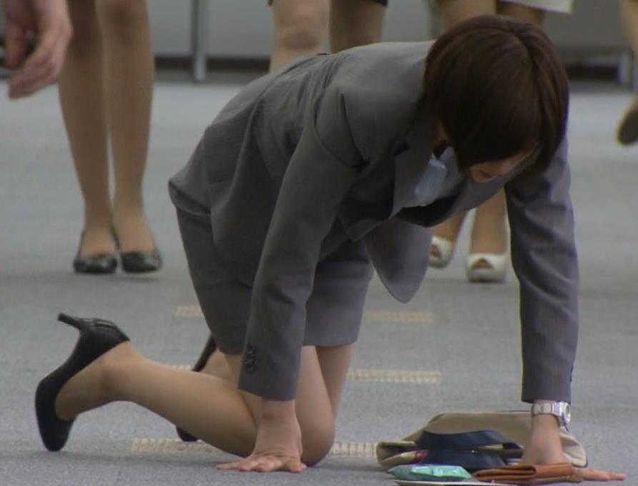 本田翼 スーツ姿がなんかエロいキャプ画像(エロ・アイコラ画像)