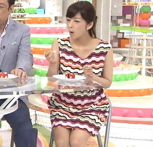 生野陽子 ミニスカートで椅子に座るとキャプ画像(エロ・アイコラ画像)