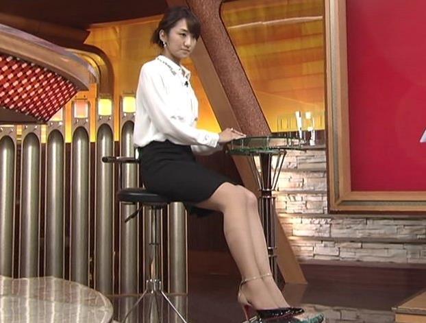 松村未央 座りミニスカートキャプ画像(エロ・アイコラ画像)