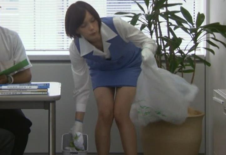 本田翼 ミニスカ美脚キャプ画像(エロ・アイコラ画像)