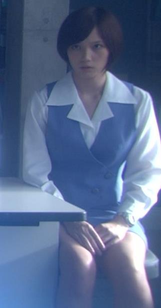 本田翼 股間キャプ・エロ画像2