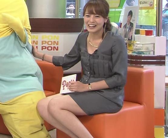 上田まりえ ミニスカ美脚
