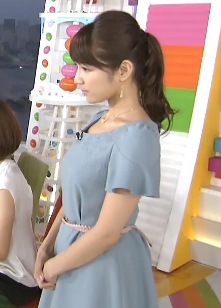 長野美郷 横乳キャプ・エロ画像
