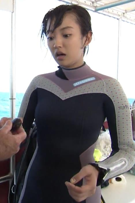 夏菜 ウェットスーツキャプ画像(エロ・アイコラ画像)