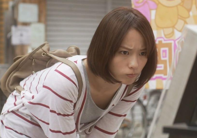 戸田恵梨香 前かがみキャプ画像(エロ・アイコラ画像)