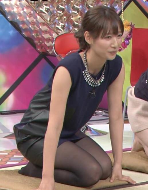 吉田明世 パンチラしそうなぐらい短いミニスカ&黒ストッキングで正座はエロいキャプ画像(エロ・アイコラ画像)