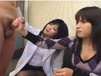 AV女優に指導されながら手コキする処女の専門学生
